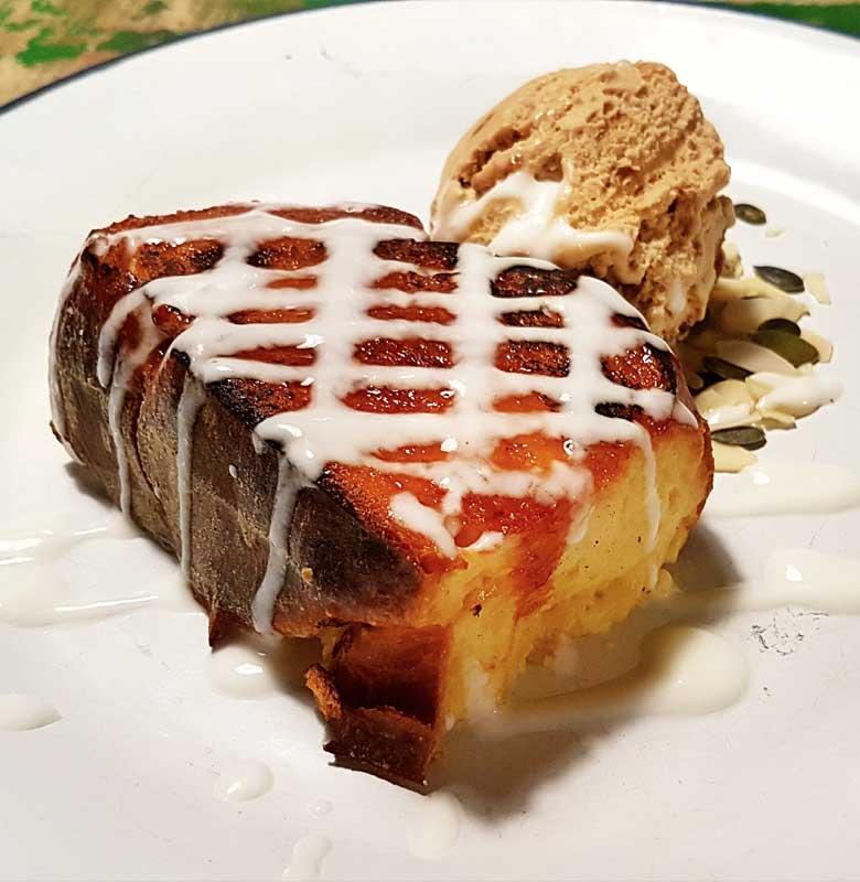 Torrija asada con helado al momento